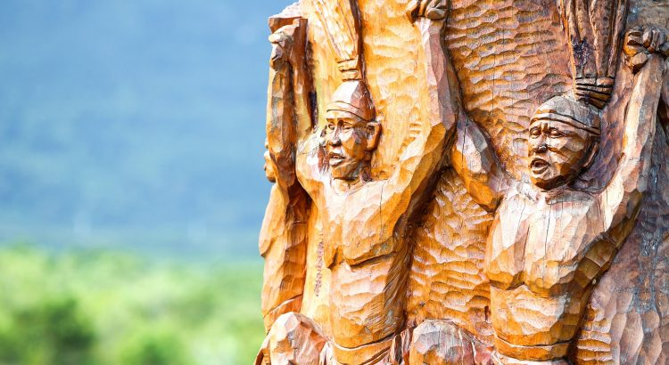 wood-carving-656968_1920